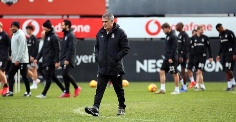 Beşiktaş'ın Antalyaspor Maçı Kafilesi Belli Oldu! Kagawa'da Kafilede Yer Aldı