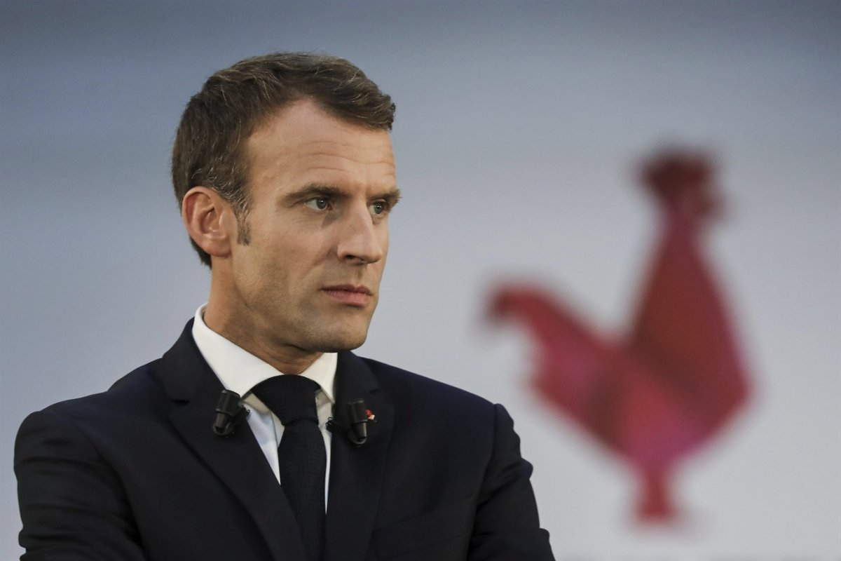 Fransa Cumhurbaşkanı Macron: Karikatürleri desteklemiyoruz #1