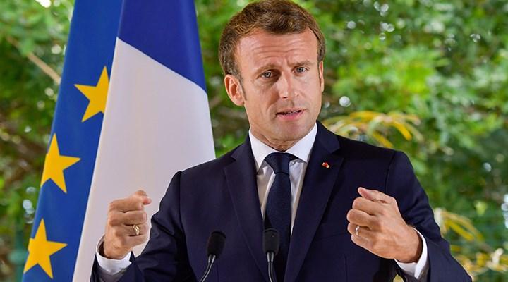 Macron: Ben karikatürleri değil, fikir özgürlüğünü savunuyorum