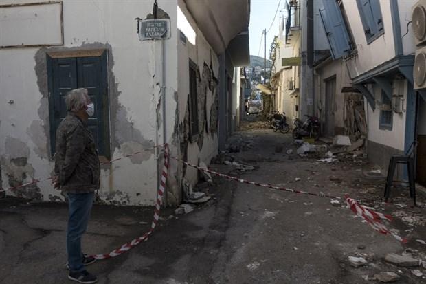 sisam-adasi-nda-depremin-yikici-boyutu-ortaya-cikti-300-ev-ve-70-den-fazla-is-yerinde-hasar-var-800149-1.