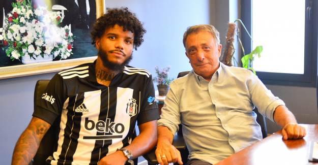 Valentin Rosier Beşiktaş'ta Kalmak İstediğini Açıkladı