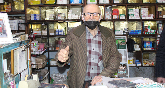 70 yıllık esnaf: 'Bakkallardan alışveriş yapın'