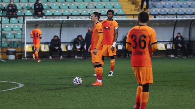 F. Karagümrük - Galatasaray maçında protesto