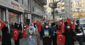 Şırnak anneleri HDP'den çocuklarını istiyor