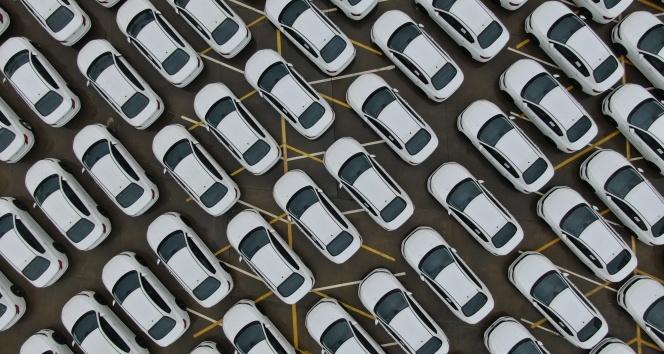 İsrafla mücadele ettiğini belirten İBBye onlarca sıfır otomobil