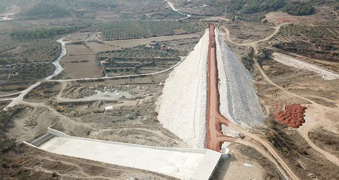 Bu baraj tamamlandığında 2 bin 270 dekar tarım arazisinin sulanması sağlanacak