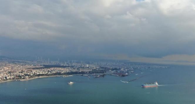 İstanbul'un bir yakasında güneş bir yakasında kar var