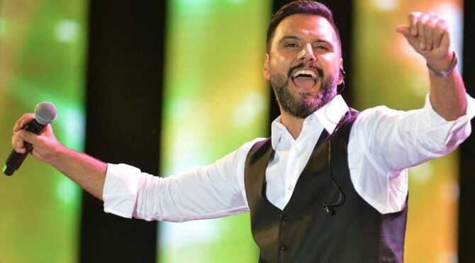 Şarkıcı Alişan İstanbul Adliyesi'nde ifade verdi