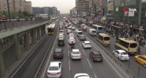 Kısıtlamaya bir saat kala trafik yoğunluğu yüzde 80 seviyesine ulaştı