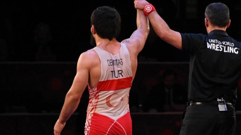 Milli güreşçilerden Avrupa Şampiyonası'nda 8 madalya