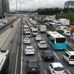 istanbul-da-saganak-yagis-sonrasi-trafik-yogunlugu-yuzde-72-ye-cikti-60a7f7c05ceef
