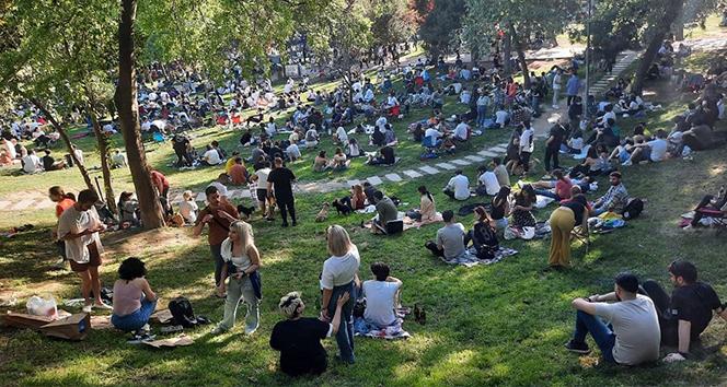 Maçka Parkı'nda korkutan görüntü: Yüzlerce kişi akın etti!