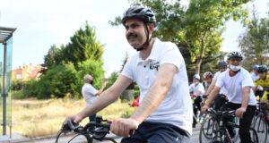 Bakan Kurum bisiklet etkinliğine katıldı