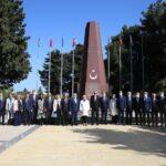 cumhurbaskani-erdogan-baku-de-turk-sehitligini-ziyaret-etti-60ca4413a3949