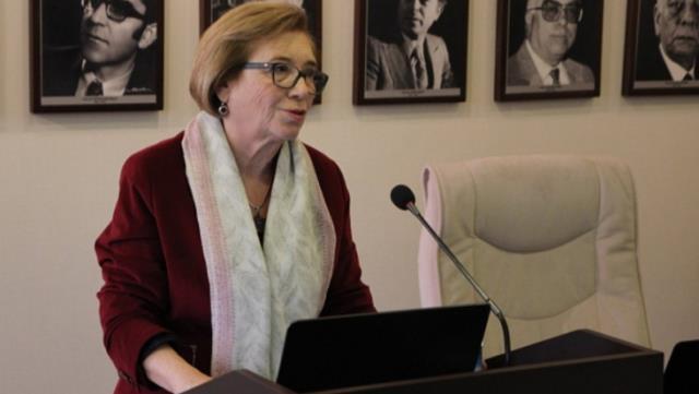 Türk edebiyatının önemli isimlerinden Prof. Yıldız Ecevit hayatını kaybetti
