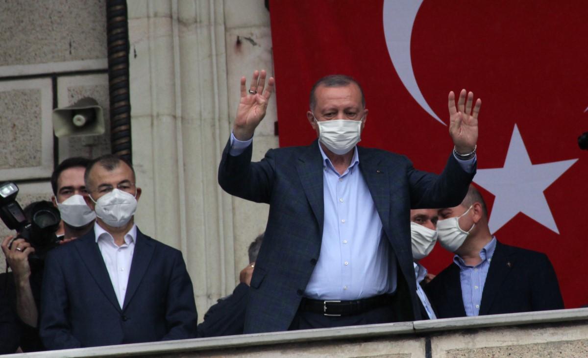 Cumhurbaşkanı Erdoğan: 'Biz çok daha büyük felaketlerin altından kalktık'