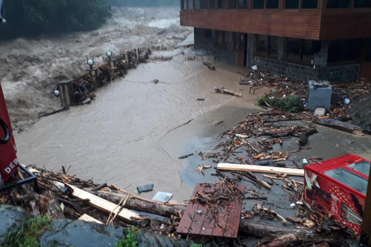 Meteoroloji'den Trabzon, Rize ve Artvin için şiddetli yağış uyarısı