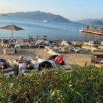 uyarilari-dikkate-almayan-turistler-sahilde-uyuyor-60f9c0705be27