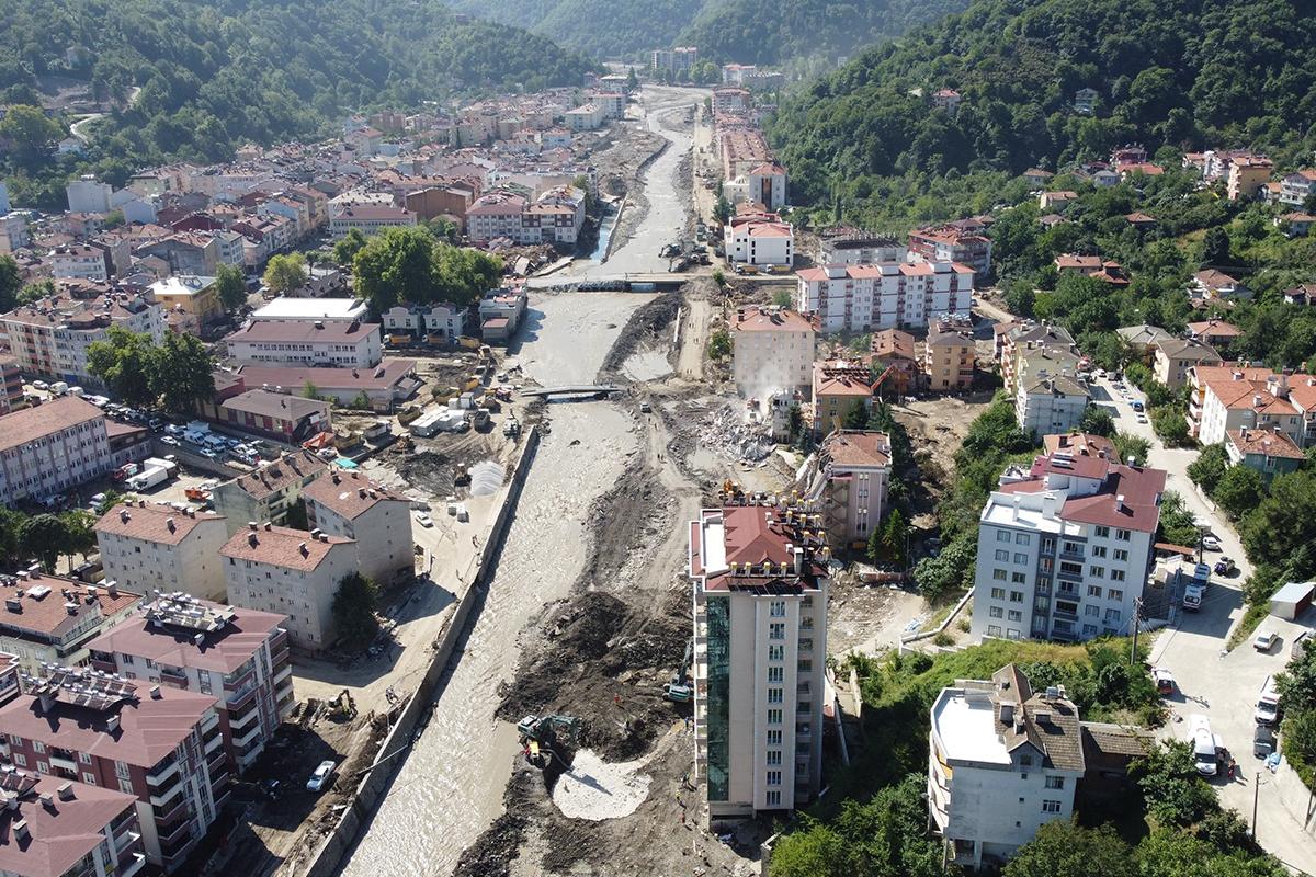 AFAD: 'Yaşanan sel nedeniyle 78 vatandaşımız hayatını kaybetti'
