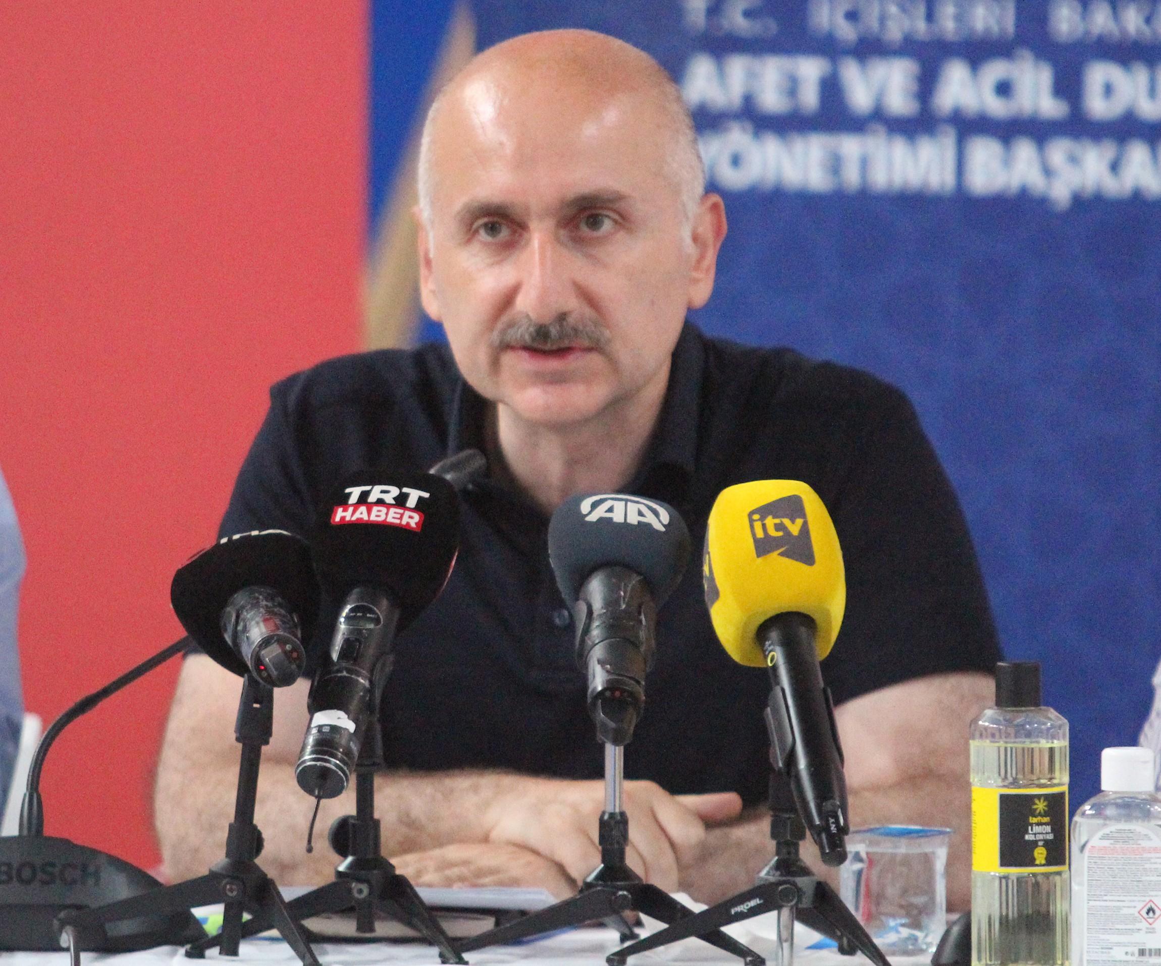 Bakan Çavuşoğlu: 'Yangını yarın tamamen kontrol altına almayı hedefliyoruz'