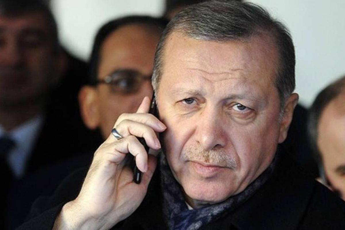 Kırgızistan Cumhurbaşkanı Caparov ile Cumhurbaşkanı Erdoğan telefonda görüştü