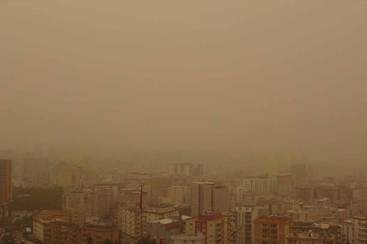 Mardin'de toz fırtınası