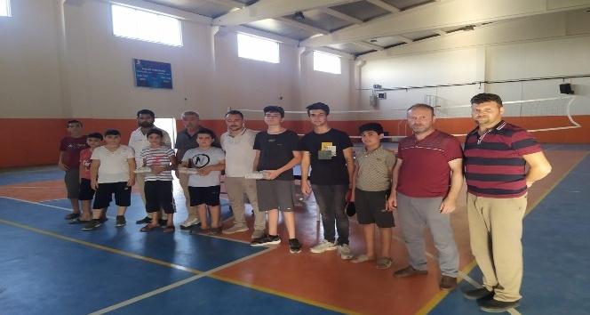 Sarıgöl'de Kur'an kursu öğrencileri masa tenisi turnuvasında yarıştı