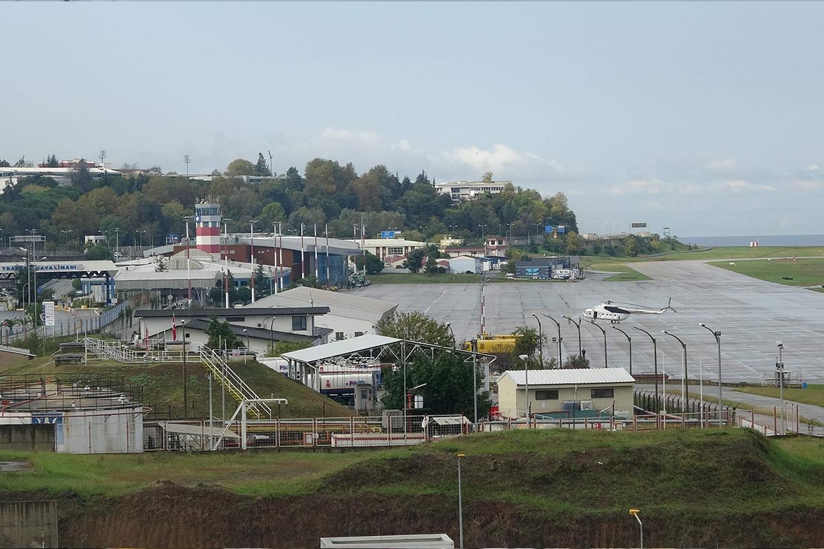 Trabzon Havalimanı, pistindeki çatlama nedeniyle uçuş trafiğine kapatıldı