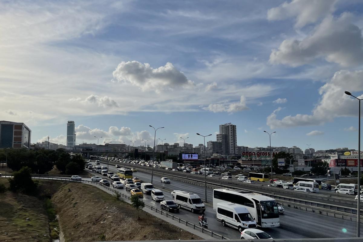 İstanbul'da okulun ilk günü trafik yoğunluğu yüzde 58 seviyelerine yükseldi